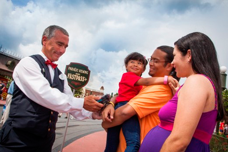 assist-as-paradas-em-lugar-privilegiado-usando-fastpass-disney