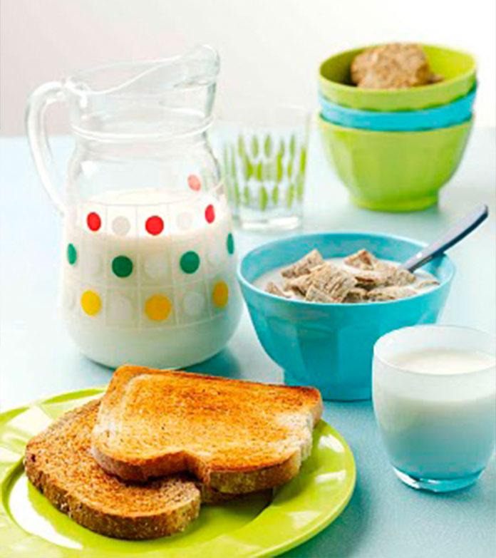 Café da manhã Continental: mesmo com menos opções tem tudo que nós, brasileiros precisamos.