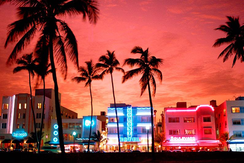 Miami-Ocean-Drive-praia-linda