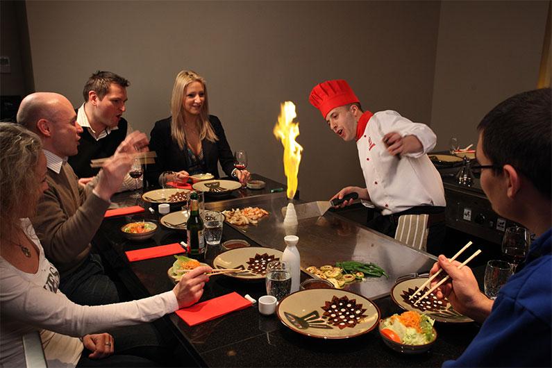 benihana-restaurante-japones-nos-EUA-jantar-diferente