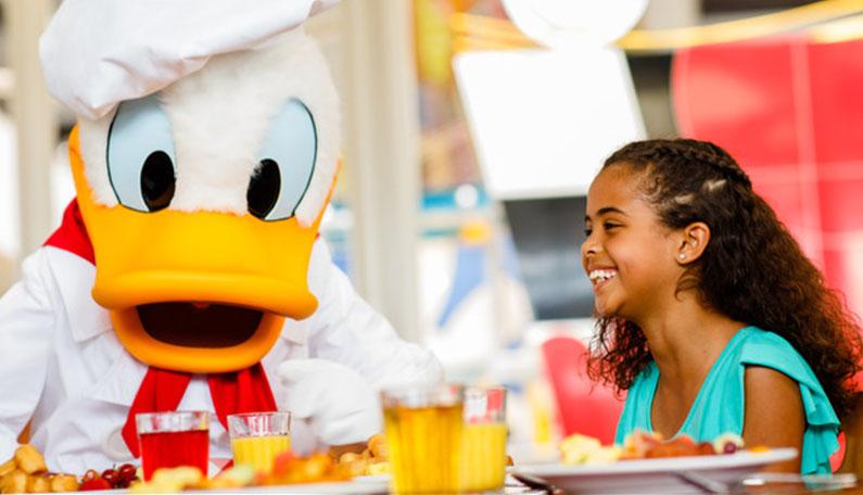 restaurantes-na-disney-com-personagem-dicas